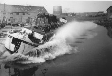 launching barge